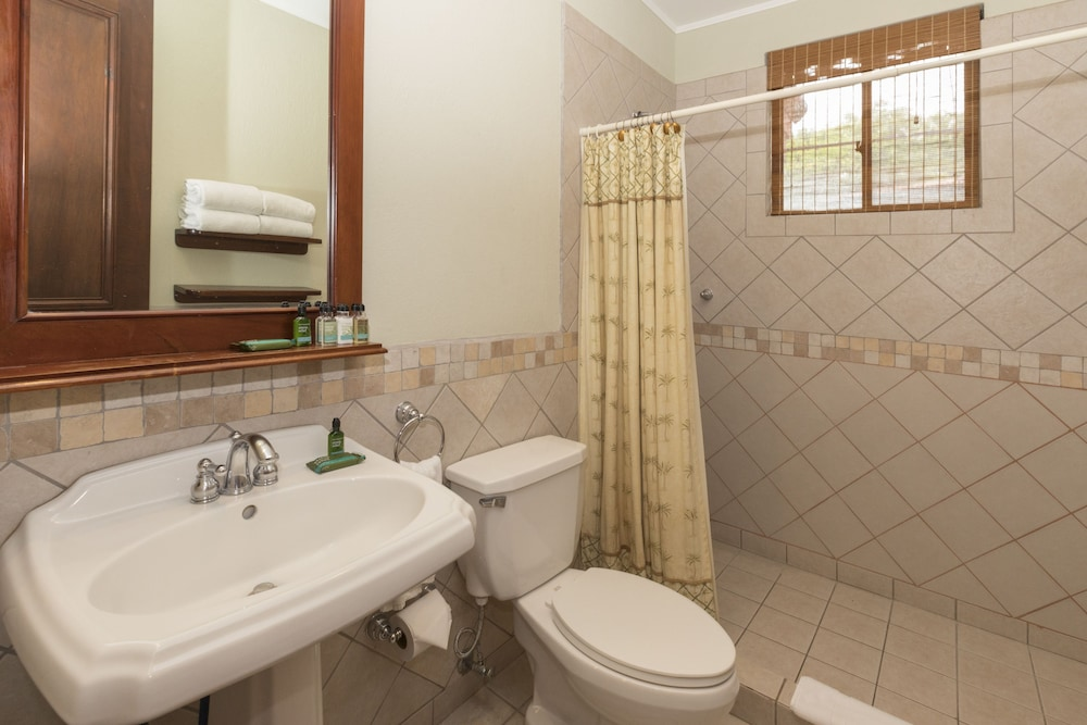 Bathroom, Ocean View Luxury Condo Reserva Conchal A13