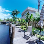 Las Olas Yacht Club at Las Olas Boulevard! Boutique Waterfront Apartment