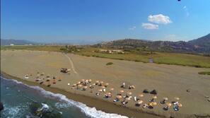 Beach nearby, free beach shuttle, beach volleyball