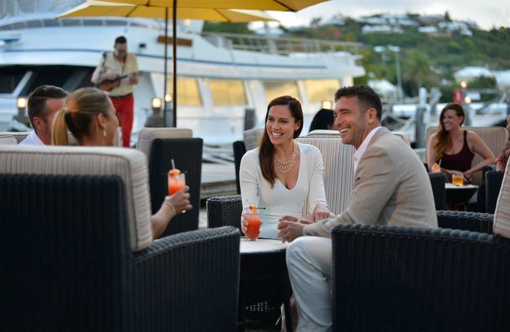 Outdoor Dining, Fairmont Southampton - All Inclusive