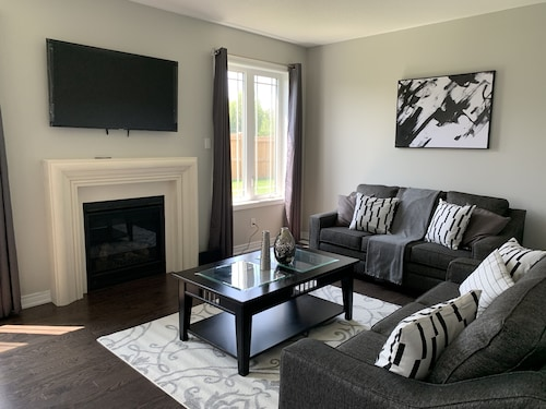 Lefroy Comfort Vacation Home Smart Tv+netflix+wifi Near Innisfil Beach