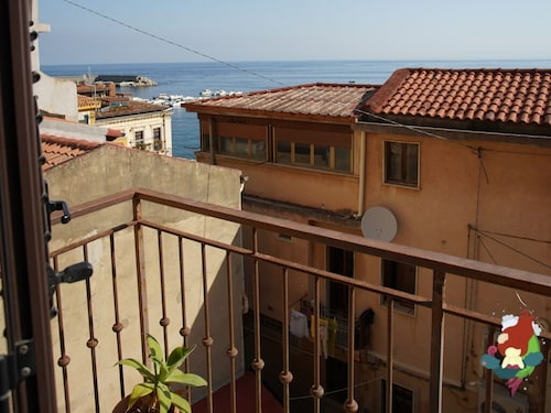 Two-room Apartment With Sea View - Chianalea di Scilla