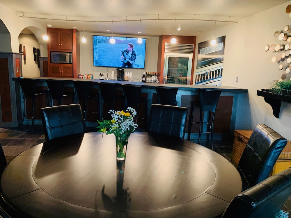 Best House In Wisconsin Live Like A Star Vrbo Luxury Huge Bar Movie Theater In Fond Du Lac Hotel Rates Reviews On Orbitz Each vrbo quote will contain a $700 charge for the pontoon boat.however, if you rent the boat for less than a full week you will be credited back. best house in wisconsin live like a