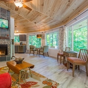 New Distinctive Private Bungalow, Unique Fireplace,wooded Forest, Near UNG