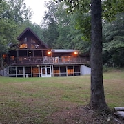 Luxury in Dahlonega on Crane Lake,29ft Boat, 2 Kayaks
