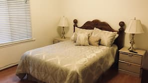 3 bedrooms, iron/ironing board, WiFi, linens