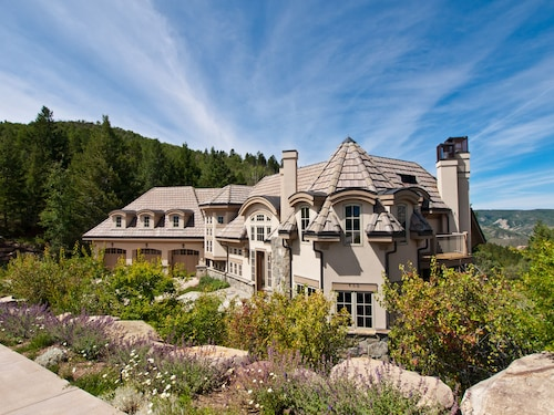 Luxury Cordillera Divide Mountain Mediterranean Estate
