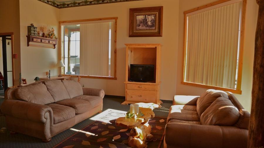 Eagle Peak Lodge & Cabins