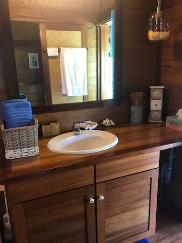 Bathroom, Craig's Villa - A Beautiful Teak Wood House and Pool