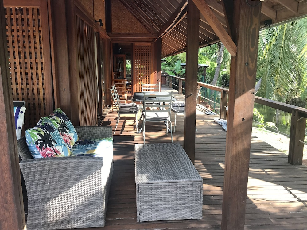 Balcony, Craig's Villa - A Beautiful Teak Wood House and Pool