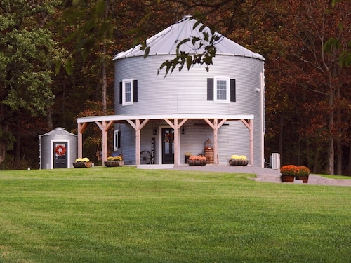 Silo Farm Haus- Located in the Heart of Wine Country!