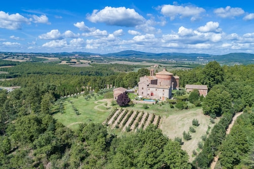 Elegant Historic Villa, Sleeps 12, so Tastefully Reconstructed According to Tuscan Style With Stunn