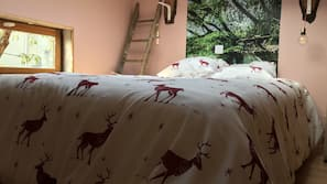 Individually decorated, individually furnished, free cots/infant beds