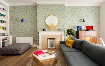 The Gloucester Road Mews - Stylish & Modern 1bdr Apartment