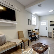Cozy 3 Bdrm Historic Carriage House With Parking in Mt Pleasant!