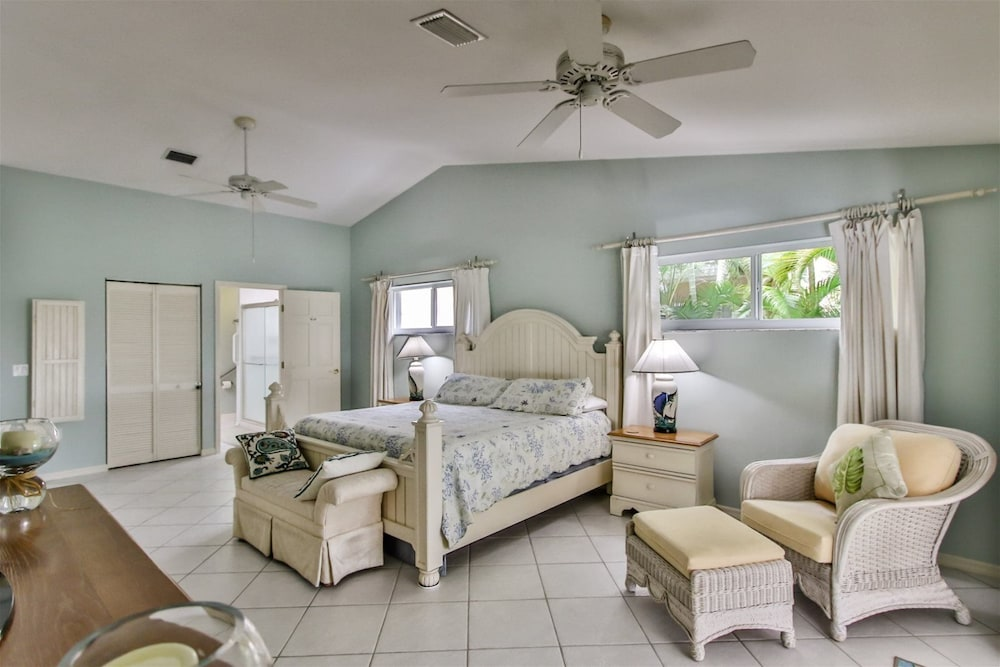 Room, Reel `Em In 3bed/2 Bath Single Family With Private Pool & Dockage, Cabana Club Access