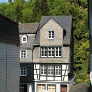 Maison Riviére - Monschau Timbered House Right on the Rur