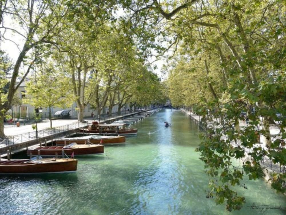 Featured Image, Terrace Annecy Lake