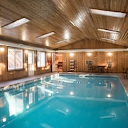 Family Getaway With Indoor Heated Pool