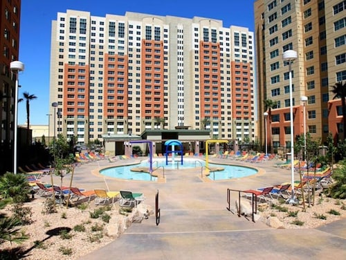 Condo in Las Vegas, Next to South Point Casino Start Nov 3rd Min 4 Nights