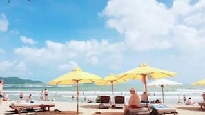 Beach nearby, white sand, sun-loungers, beach umbrellas