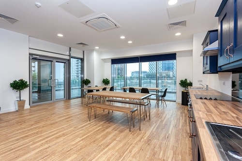 X1 Media City Trendy Pad