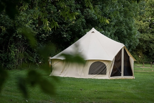 Luxury 4 Person Glamping Tent-Campsite