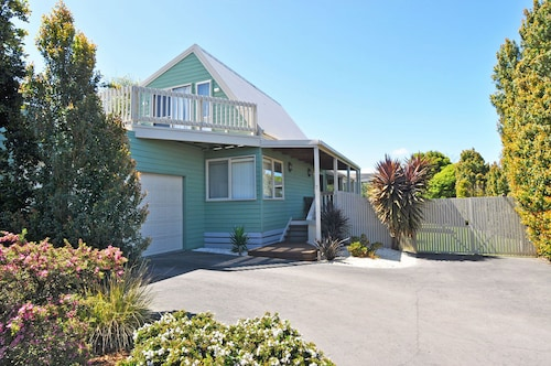 Archies Beachside Abode - PET Friendly