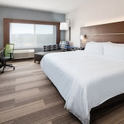 Holiday Inn Express & Suites Murrieta