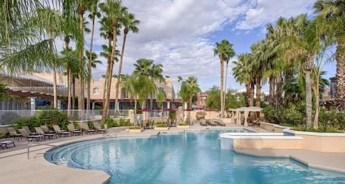 Sunset View, Classic King Unit! Pool, Parking