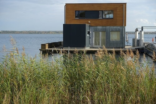 Floating Holiday Home on the Lake - Möwe1