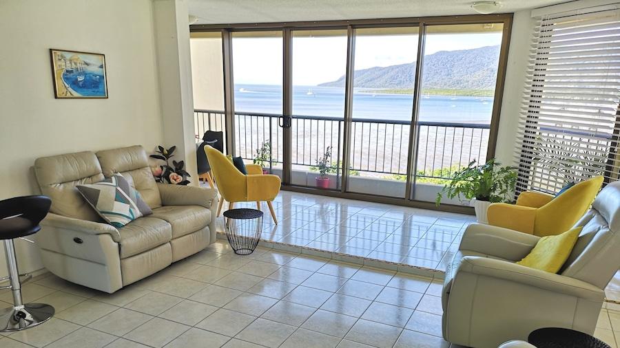 Cairns Ocean View Apartment in Aquarius