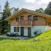 Newly Built Chalet in a Secluded Location on the Valley run Pengelstein Schroll / Skirast
