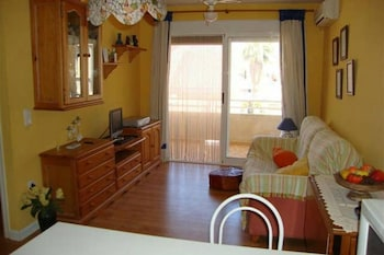 Apartment With one Bedroom in Canet D'en Berenguer, With Furnished Terrace - 100 km From the Beach