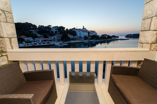 Guest House Kiko - One-bedroom Apartment With Balcony and Sea View