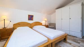 1 bedroom, cribs/infant beds, WiFi, bed sheets