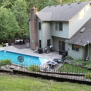 Family Friendly Lodge Located in the Hocking Hills