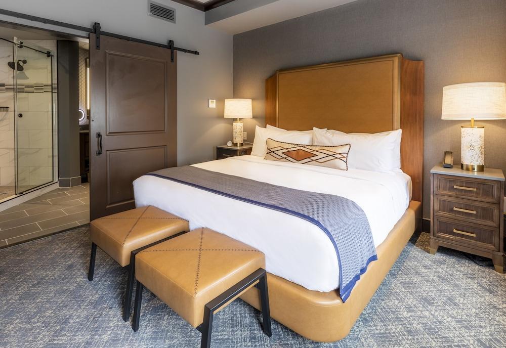 4 Star Hotels