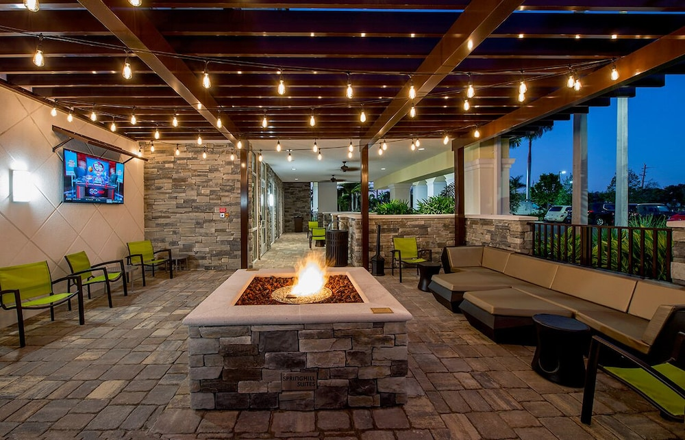 Terrace/Patio, SpringHill Suites by Marriott Fort Myers Estero