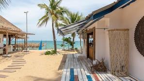 Gần bãi biển, xe đưa đón đến bãi biển miễn phí, khăn tắm biển