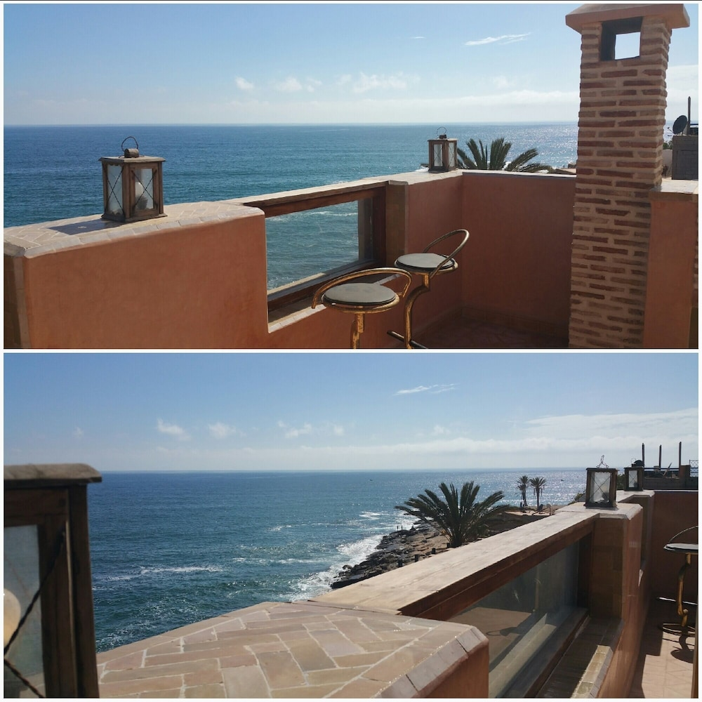 Balcony, Ocean Front Haven 'dar Anarouz' at Anchor's Point, Surfers Paradise Villa