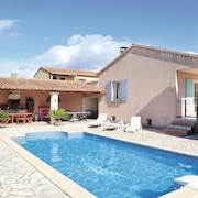 4 Bedroom Accommodation in Valreas