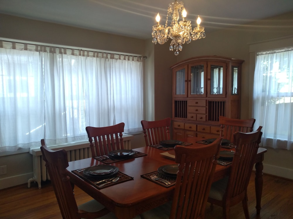 Private Kitchen, Zip Code 15701: Easy Walk to IUP + Downtown