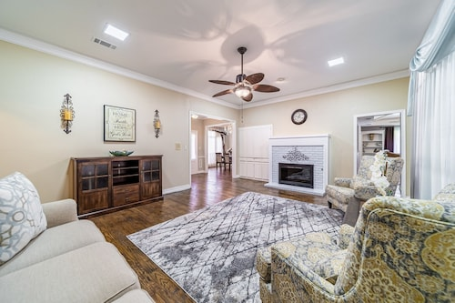 Fully Updated 4 Bedroom House in West Plano in Close Proximity to Legacy West