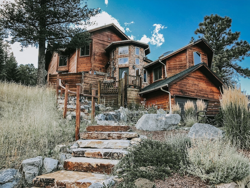 Featured Image, Juniper Mountain House