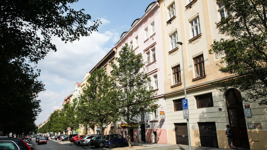 City Castle Aparthotel