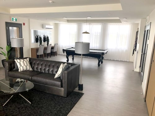 Apartment With one Bedroom in Brossard, With Furnished Terrace and Wifi