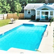 Private Home + Guest House With Heated Pool @ National Seashore Entrance