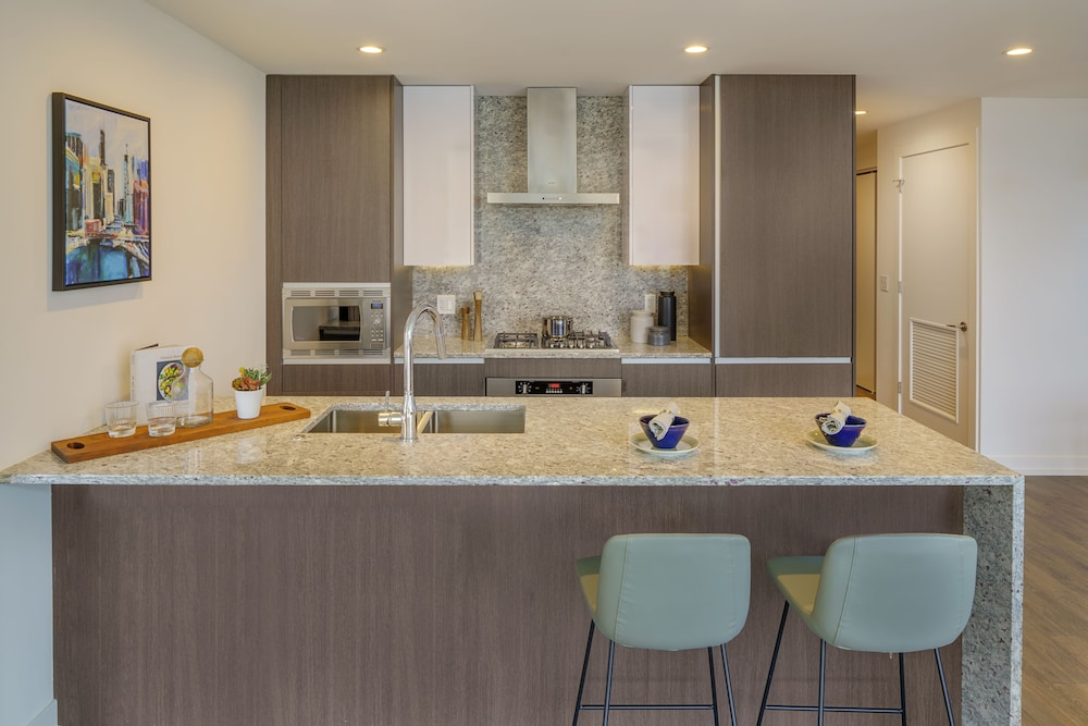 Private Kitchen, LEVEL Chicago – Old Town