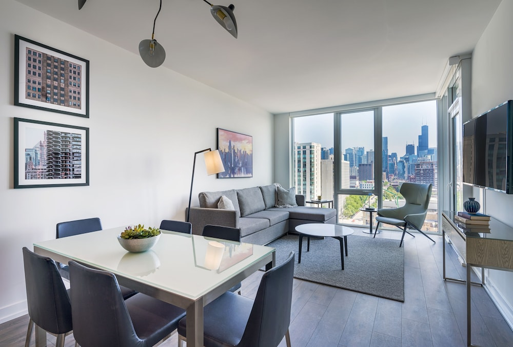 Living Area, LEVEL Chicago – Old Town